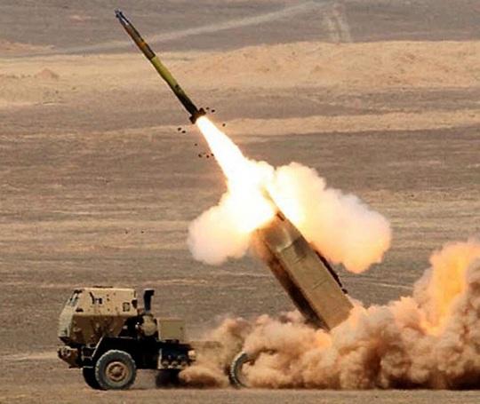 Tín hiệu đằng sau việc Mỹ bán hàng trăm tên lửa cho Đài Loan - Ảnh 1.
