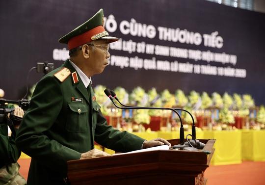 Hình ảnh xúc động lễ truy điệu 22 cán bộ, chiến sĩ hy sinh ở Quảng Trị - Ảnh 3.