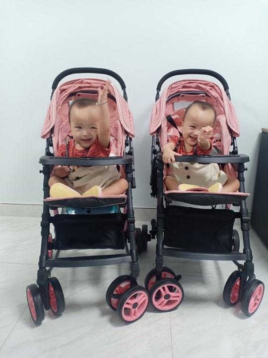 Hai bé Trúc Nhi-Diệu Nhi ngày trở lại bệnh viện - Ảnh 4.