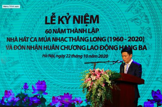 Nhà hát Ca múa nhạc Thăng Long đón nhận Huân chương Lao động hạng ba - Ảnh 2.