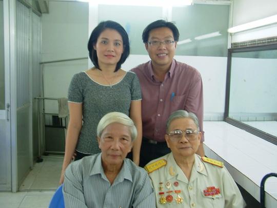 Mai Vàng nhân ái thăm nghệ sĩ Hề Sa và tác giả vở Người ven đô - Ảnh 6.