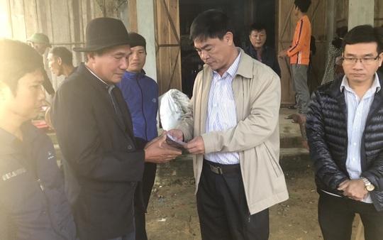 4 người đi rừng nghi bị núi sạt lở vùi lấp ở Quảng Bình: Tìm thấy thi thể nạn nhân thứ 2 - Ảnh 2.