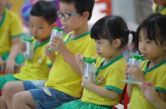 An toàn thực phẩm đối với sản phẩm sữa dùng trong trường học - Ảnh 2.