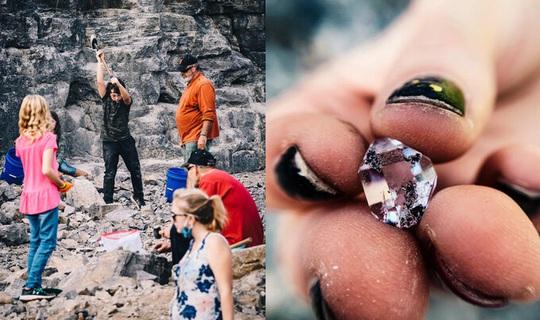 Nơi du khách đến để đào kim cương - Ảnh 2.
