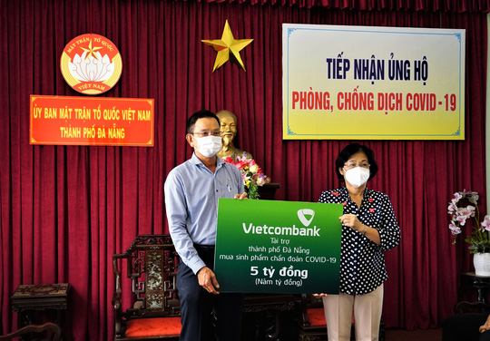 """Vietcombank Đà Nẵng đồng hành, hỗ trợ doanh nghiệp, khách hàng trong trạng thái """"Bình thường mới"""" - Ảnh 1."""