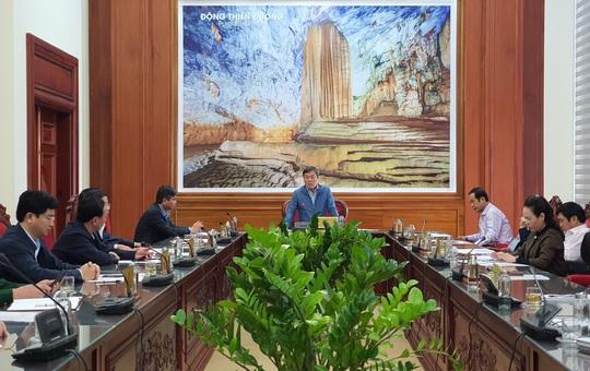 Quảng Bình: Cắt giảm nhiều hạng mục trang trí ngày Đại hội Đảng bộ, nhằm chăm lo người dân vùng lũ - Ảnh 1.