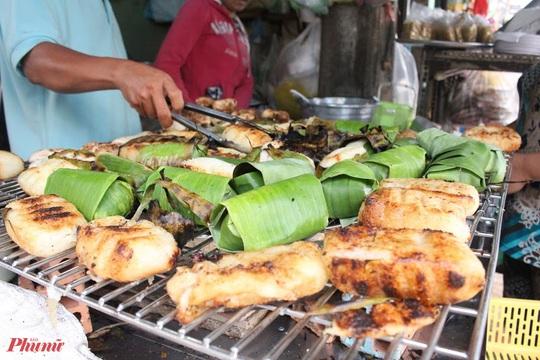 Những món ăn kèm nước cốt dừa lịm tim của người miền Tây ở TP HCM - Ảnh 1.