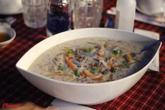 Những món ăn kèm nước cốt dừa lịm tim của người miền Tây ở TP HCM - Ảnh 3.