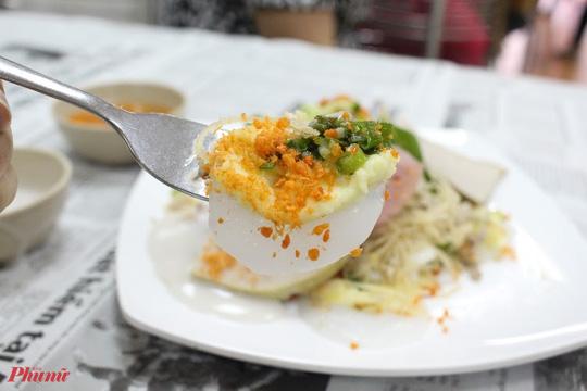 Những món ăn kèm nước cốt dừa lịm tim của người miền Tây ở TP HCM - Ảnh 8.
