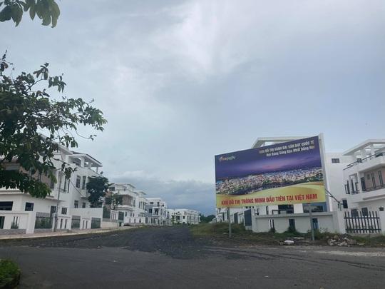 Ngỡ ngàng với gần 500 biệt thự, nhà liền kề xây lụi ở Đồng Nai - Ảnh 3.
