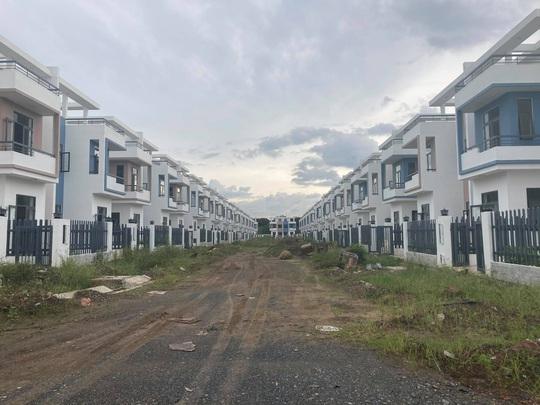 Ngỡ ngàng với gần 500 biệt thự, nhà liền kề xây lụi ở Đồng Nai - Ảnh 11.
