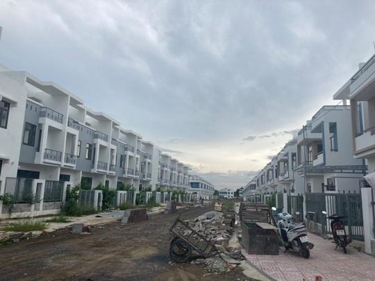 Ngỡ ngàng với gần 500 biệt thự, nhà liền kề xây lụi ở Đồng Nai - Ảnh 12.
