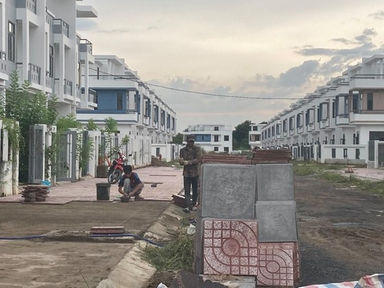 Ngỡ ngàng với gần 500 biệt thự, nhà liền kề xây lụi ở Đồng Nai - Ảnh 13.