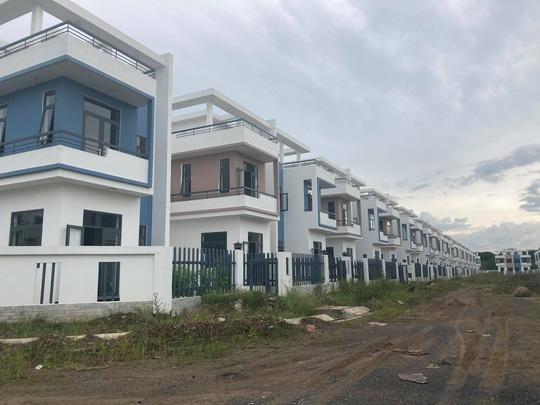 Ngỡ ngàng với gần 500 biệt thự, nhà liền kề xây lụi ở Đồng Nai - Ảnh 6.