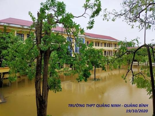 Bức tâm thư của hiệu trưởng gửi học trò vùng lũ Quảng Bình gây bão cộng đồng mạng - Ảnh 2.
