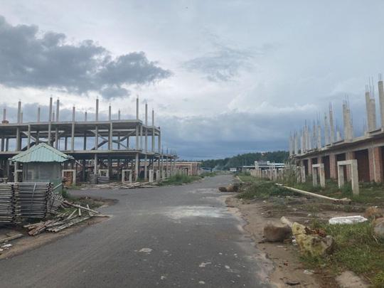 Ngỡ ngàng với gần 500 biệt thự, nhà liền kề xây lụi ở Đồng Nai - Ảnh 16.