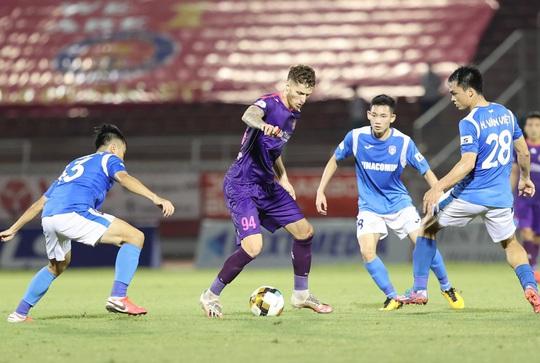 Sài Gòn FC vượt mặt Hà Nội FC - Ảnh 1.