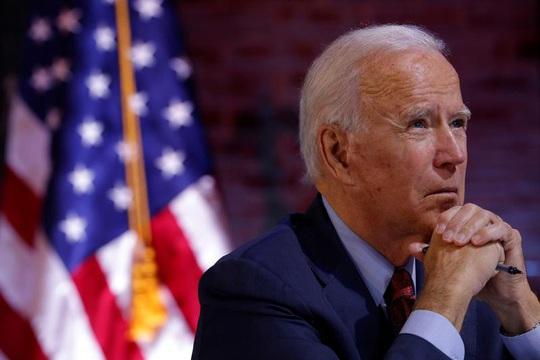 Đại cử tri Hillary Clinton cam kết bỏ phiếu cho ông Biden - Ảnh 2.