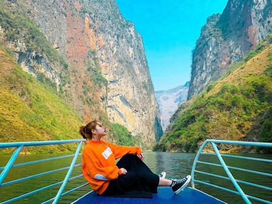 Đến Hà Giang nhất định phải chèo thuyền kayak sông Nho Quế - Ảnh 1.