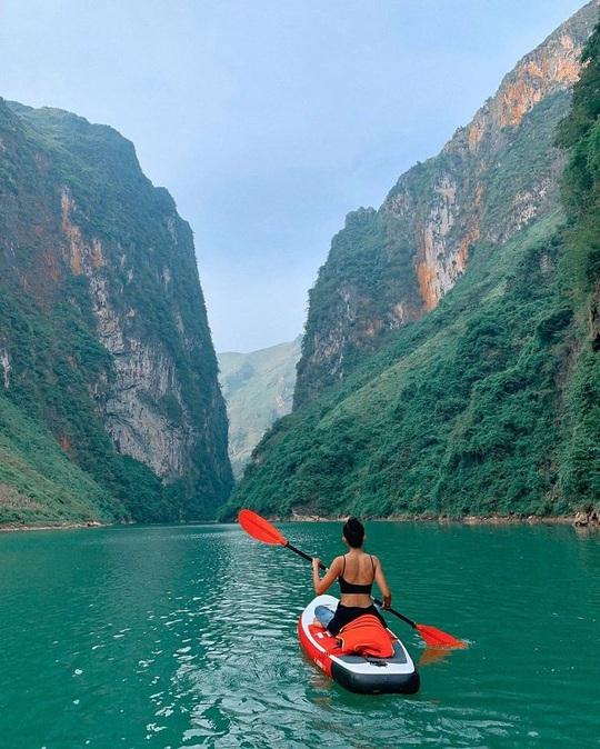 Đến Hà Giang nhất định phải chèo thuyền kayak sông Nho Quế - Ảnh 3.