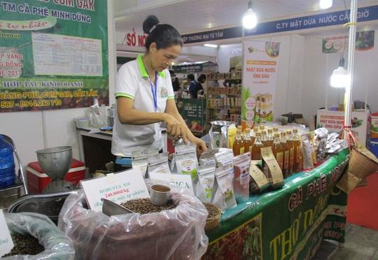 Thịt cá sấu, trái cây Thái Lan... xuất hiện tại hội chợ nông sản TP HCM - Ảnh 3.
