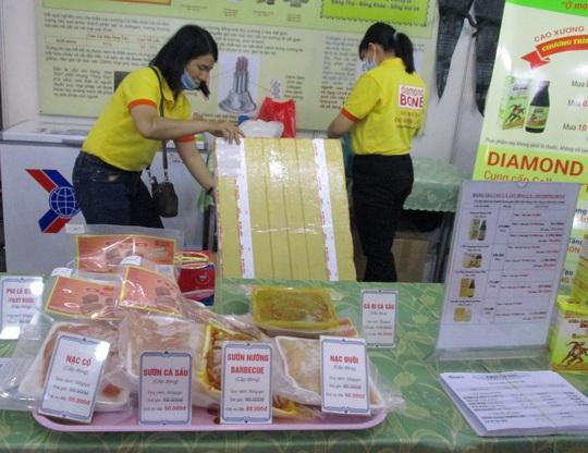Thịt cá sấu, trái cây Thái Lan... xuất hiện tại hội chợ nông sản TP HCM - Ảnh 6.