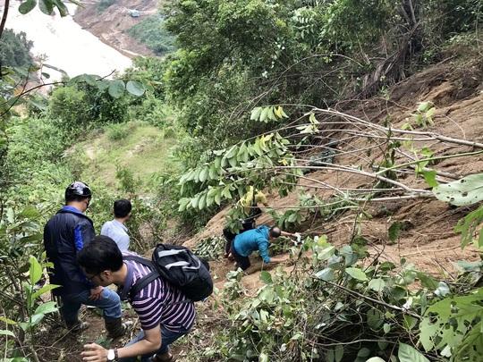 Không thể tìm kiếm những người mất tích tại Phước Sơn bằng thủ công - Ảnh 6.