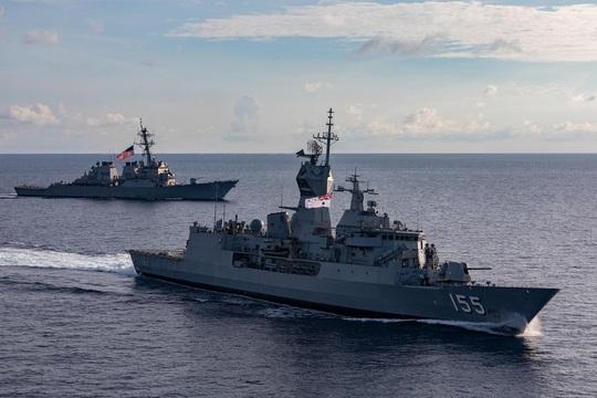 Mỹ - Úc tập trận chung trên biển Đông - Ảnh 1.