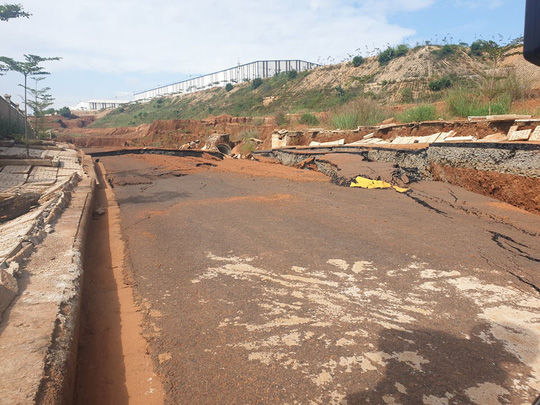 Sụp lún bất thường tại khu công nghiệp gần 1.000 tỉ đồng, đe dọa nhà máy gần 1 tỉ USD - Ảnh 3.