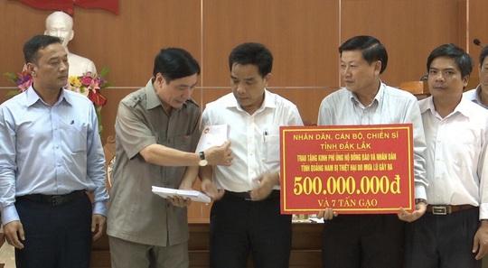 TP Đà Nẵng và Tỉnh Đắk Lắk cứu trợ người dân bão lụt miền Trung - Ảnh 3.