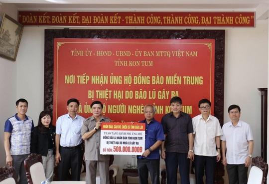 TP Đà Nẵng và Tỉnh Đắk Lắk cứu trợ người dân bão lụt miền Trung - Ảnh 1.