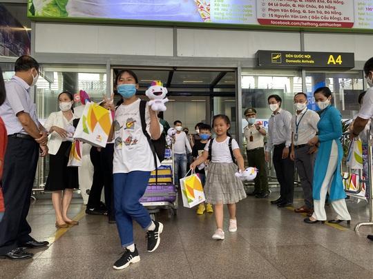 Đón đoàn khách du lịch đầu tiên đến Đà Nẵng sau dịch Covid-19 - Ảnh 5.