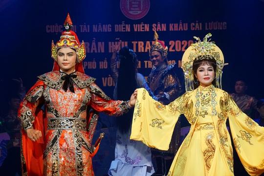 Đông nghệ sĩ ngôi sao chúc mừng diễn viên tranh tài Cuộc thi Trần Hữu Trang - Ảnh 9.