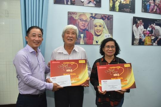 Mai Vàng nhân ái thăm NSƯT Ngọc Khanh và nghệ sĩ Tấn Thi - Ảnh 3.