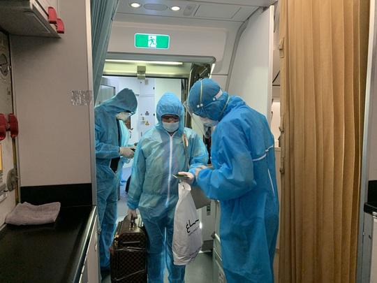 Kết quả xét nghiệm 127/152 mẫu F1 liên quan đến ca nghi nhiễm Covid-19 người Nhật Bản - Ảnh 1.