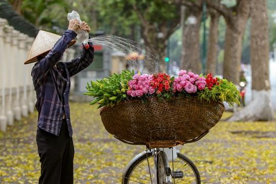 Khoảnh khắc Hà Nội trong mùa đẹp nhất năm - Ảnh 12.