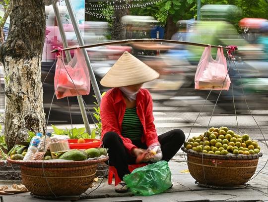 Khoảnh khắc Hà Nội trong mùa đẹp nhất năm - Ảnh 17.