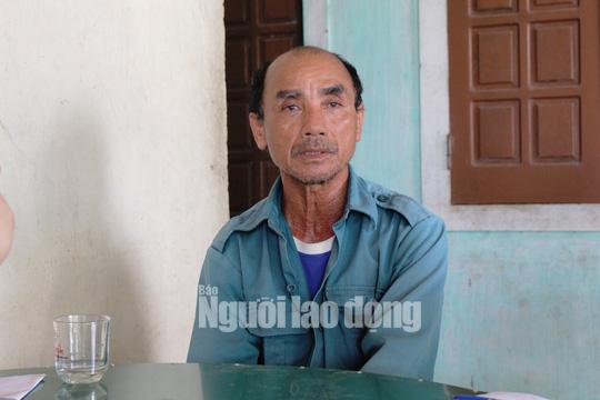 Huyện cấp 8 tạ lúa giống cho dân, xã ngâm kho hết hạn nên đem bán cho vịt ăn - Ảnh 2.