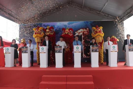 Khánh thành Quảng trường Diamond và khởi công Nhạc nước tại Khu Đô thị Vạn Phúc - Ảnh 1.