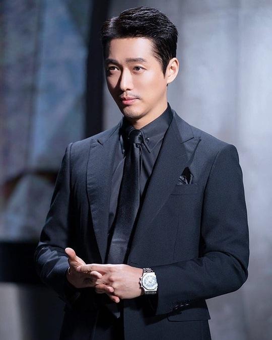 Won Bin và dàn tài tử trẻ lâu của showbiz Hàn - Ảnh 3.