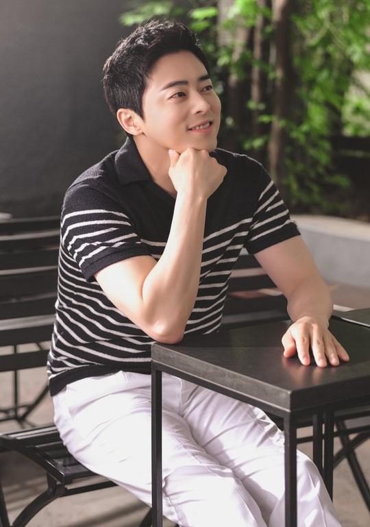 Won Bin và dàn tài tử trẻ lâu của showbiz Hàn - Ảnh 7.