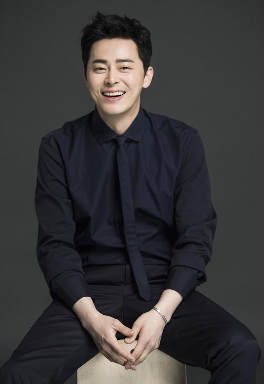 Won Bin và dàn tài tử trẻ lâu của showbiz Hàn - Ảnh 8.