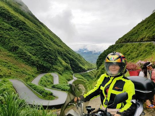 Nữ phượt thủ U60 đặt chân đến 62 tỉnh - thành, leo 26km núi đầy ngoạn mục - Ảnh 3.