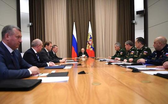 Tổng thống Putin công bố xây dựng Bộ chỉ huy chống tấn công hạt nhân nằm dưới hầm ngầm - Ảnh 2.