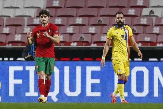 Cữ tập kinh hoàng, Bồ Đào Nha trút mưa bàn thắng trước Andorra - Ảnh 2.