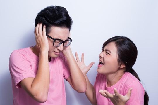 Vơ chồng nửa đời lệch pha: Vợ trẻ con, chồng người lớn - Ảnh 1.