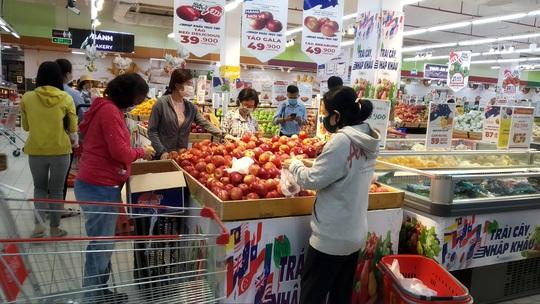 Hàng châu Âu ở Việt Nam giá rẻ bất ngờ - Ảnh 1.