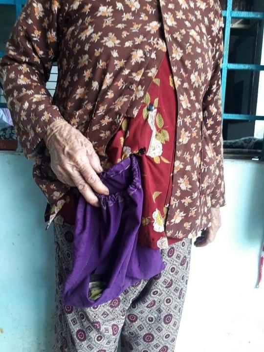 Bắt kẻ đi ôtô cứu trợ miền Trung lừa cụ bà 83 tuổi lấy vàng và 6,5 triệu đồng - Ảnh 3.