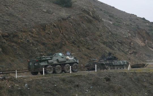 Quân Nga đến Nagorno - Karabakh, chứng kiến cảnh tượng kinh hoàng - Ảnh 5.
