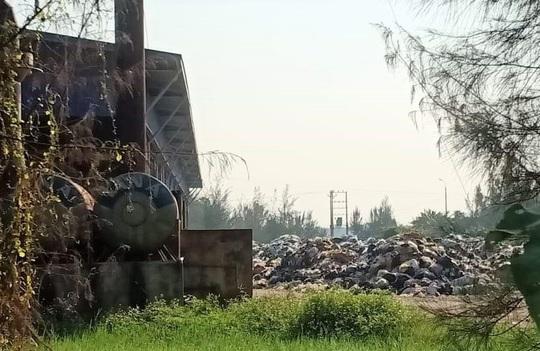 Dân kêu trời vì nhà máy xử lý rác thải gây ô nhiễm - Ảnh 1.